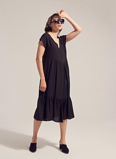Monamoda V Yaka Volanlı Loose Fit Elbise Siyah